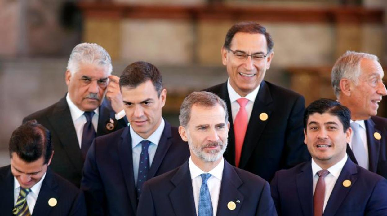 El Rey: «La Constitución trajo convivencia, libertad y democracia a España»