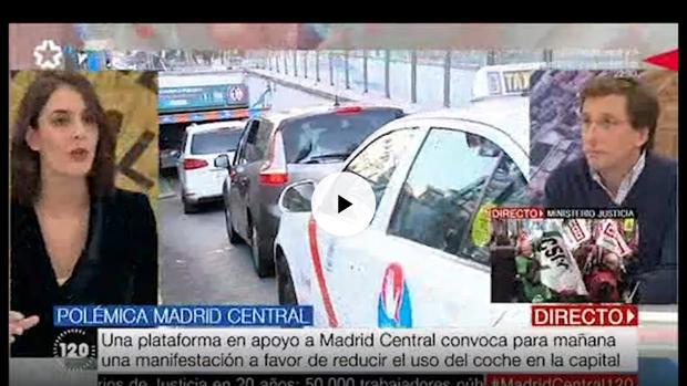 Rita Maestre y Martínez-Almeida, durante el debate en Telemadrid