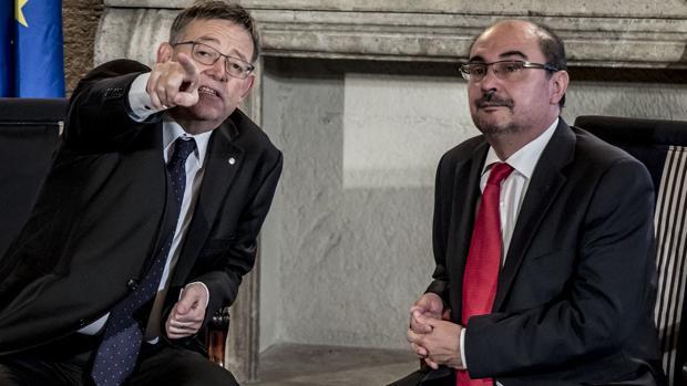 Los presidentes de Aragón y la Comunidad Valenciana, Javier Lambán (derecha) y Ximo Puig