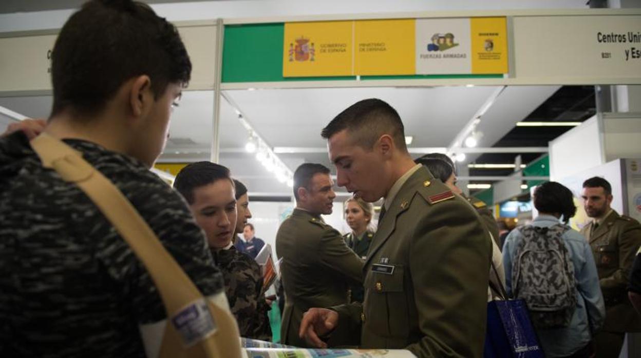 «El Gobierno y Defensa humillan con esta cesión al Ejército»