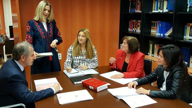 Miembros del equipo de la DPZ dedicado a la asistencia administrativa y jurídica a ayuntamientos