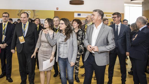 Mónica Oltra y Rafa Climent, en la inauguración del congreso Go Global