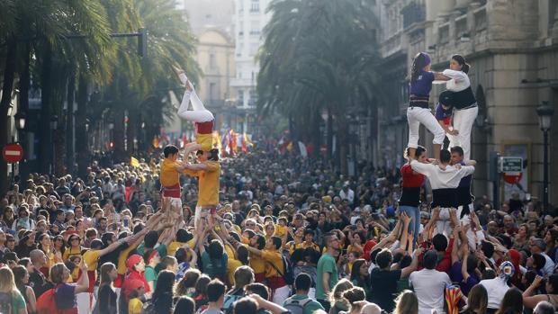 Manifestación convocada en Valencia por Acció Cultural para reivindicar la cultura y la lengua