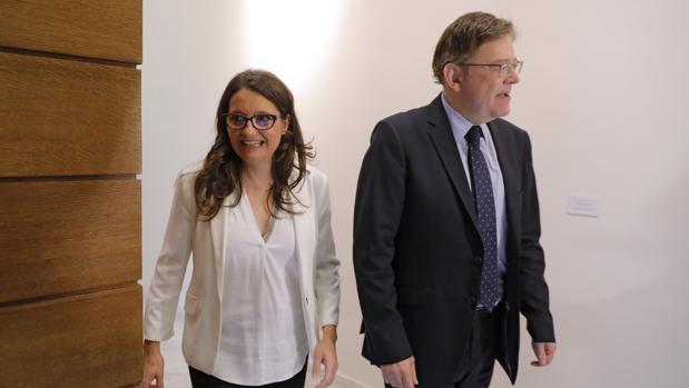 Mónica Oltra y Ximo Puig, en las Cortes Valencianas
