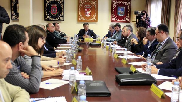 Reunión en la Delegación del Gobierno sobre flujos migratorios sobre campañas agrícolas