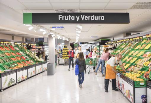 Imagen de la sección de frutas y verduras de un supermercado de Mercadona