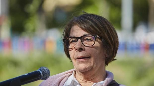 Inés Sabanés, en la rueda de prensa donde anunció la renaturalización del Manzanares, en mayo