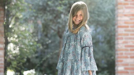 Vestido de niña, uno de los muchos modelos disponibles en Aiana Larocca