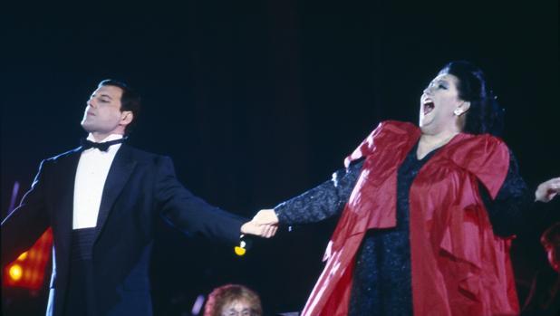 Mercury y Caballé, durante una de sus actuaciones conjuntas