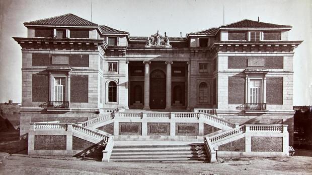 Fachada sur del Museo del Prado, conocida como la puerta de Goya
