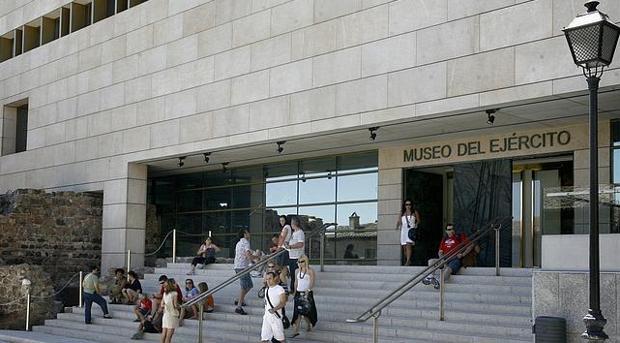 Entrada del Museo del Ejército