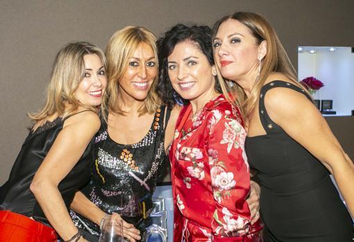 Begoña Camps, María Gómez-Polo, Begoña Marfil y Mariola Dolz