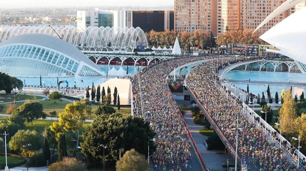 El etíope Leul Gebreselassie gana el maratón de Valencia y bate el récord de la prueba