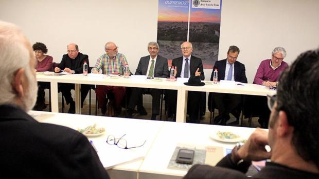 Juan Sánchez moderó el debate en el que participaron Joaquín Sánchez Garrido, Juan Ignacio de Mesa y Agustín Conde
