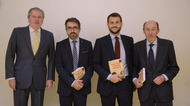 Íñigo Méndez de Vigo, Jesús García Calero, Juan Fernández-Miranda, y Alfredo Pérez Rubalcaba