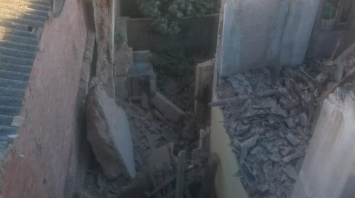 Evacuan a los policías locales de Alberic por un derrumbe en el edificio de al lado
