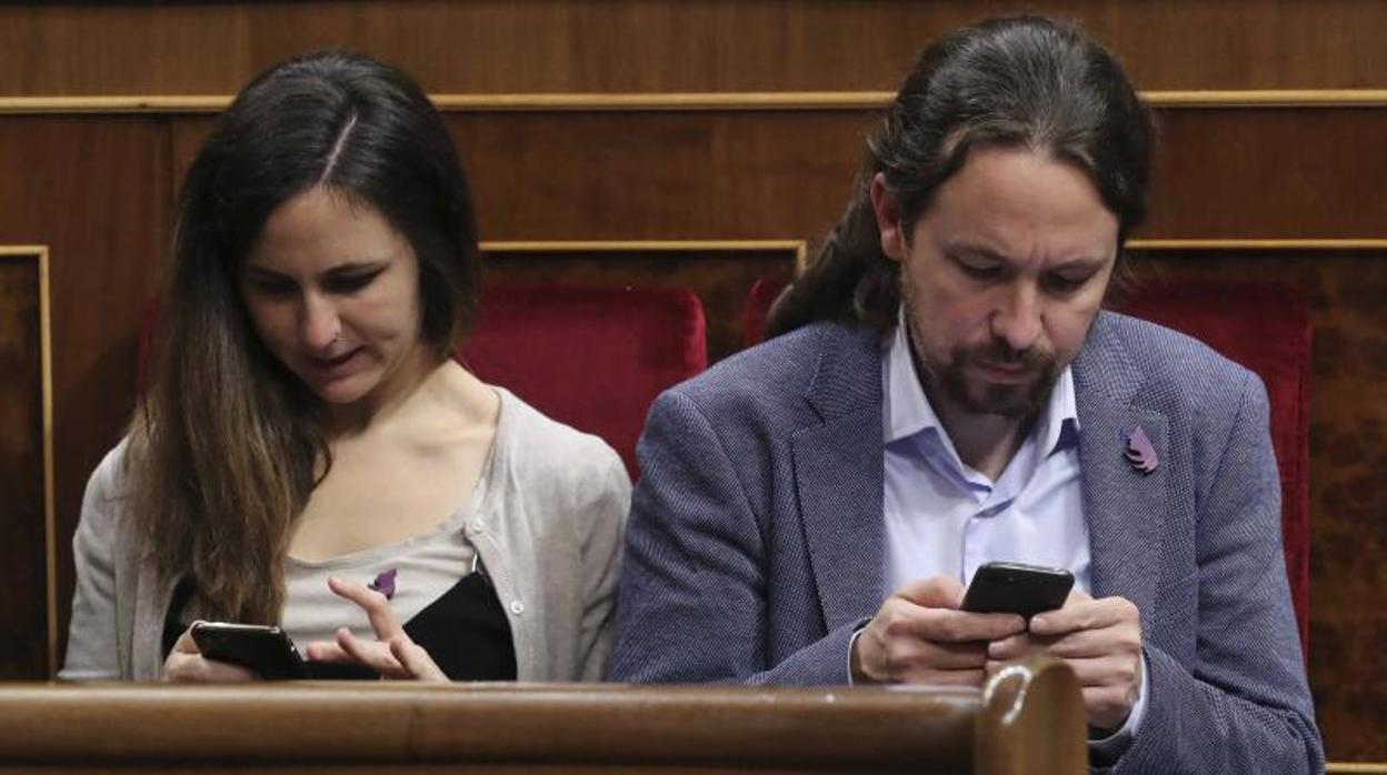 El logo «republicano» de Podemos es una copia de un diseño que cuesta 1,99 euros