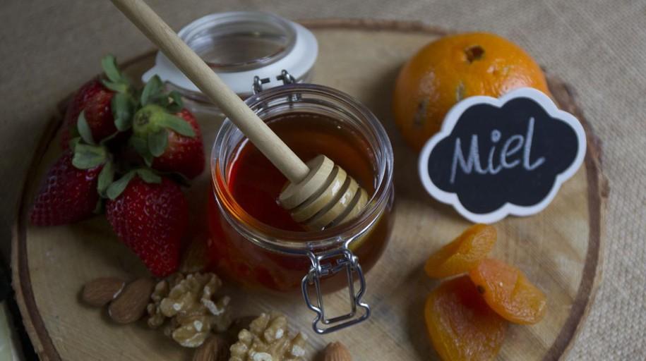 La Comunidad premia por primera vez la miel de la «Alcarria» de Madrid
