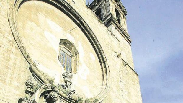 Fachada de la iglesia de los Santos Juanes en Valencia