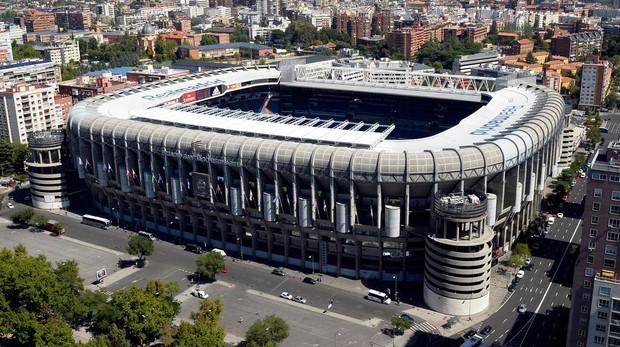 Exterior del estadio Santiago Bernabeu