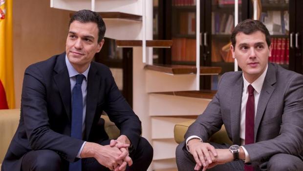 Sánchez y Rivera, durante un encuentro en el Congreso