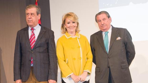 Aguirre junto a Sosa Wagner y Vázquez