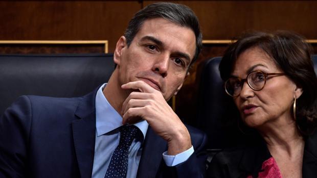 Sánchez cambia el rumbo y se prepara para intervenir en Cataluña