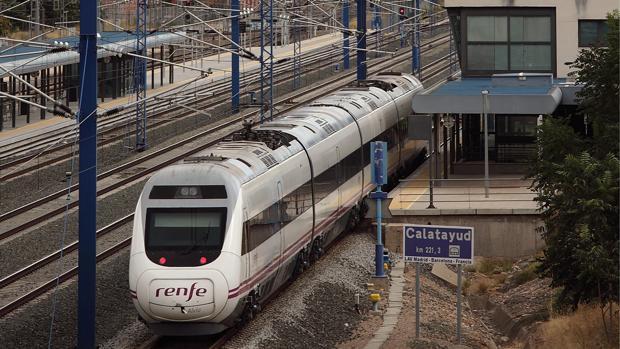Imagen de archivo de un tren en la estación bilbilitana del AVE