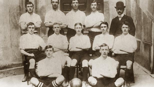 El Exiles, en una fotografía de 1903, jugó su primer partido en Vigo en 1876