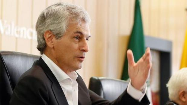 Adolfo Suárez Illana, en una intervención en Valencia