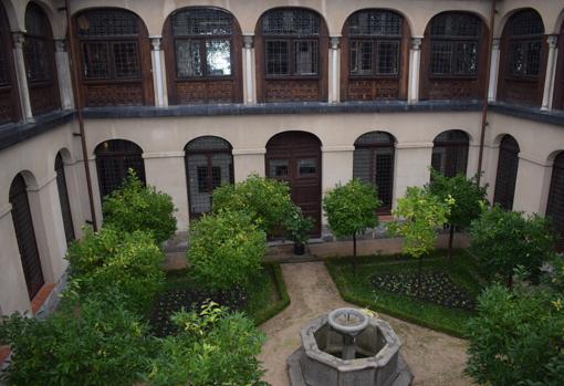 Patio del claustro del monasterio
