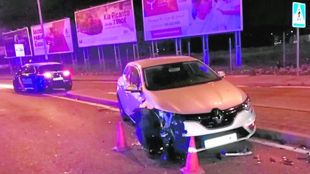 Uno de los coches dañados durante la persecución