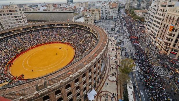 Manifestación en Valencia durante la fiesta del 9 de octubre (día de la Comunidad Valenciana) de 2018