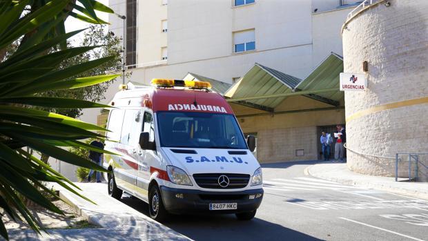 Imagen de archivo de una unidad del SAMU en Alicante