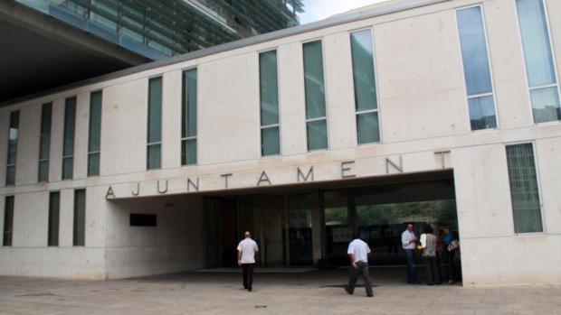 Entrada al Ayuntamiento de Benidorm