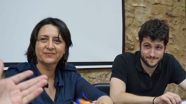 Los líderes de EUPV y Podemos, Rosa Pérez y Antonio Estañ
