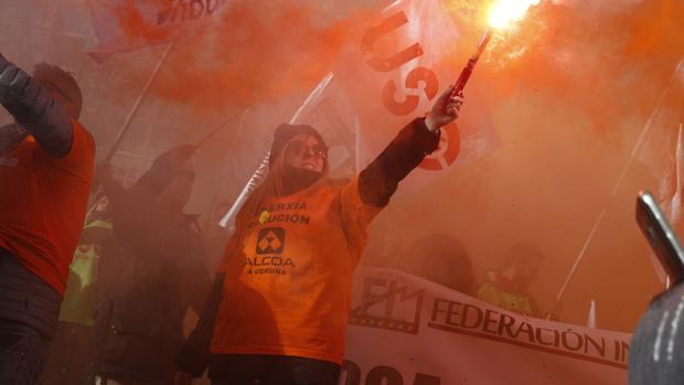 Protesta de los trabajadores de Alcoa en Madrid