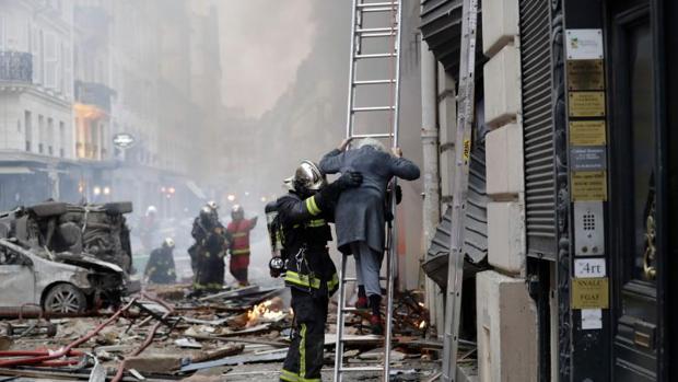 La explosión ha ocasionado la muerte de tres personas y ha dejado más de 40 heridos