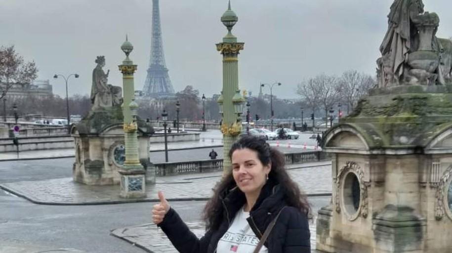 Luto oficial en Burguillos por la muerte de Laura Sanz en París