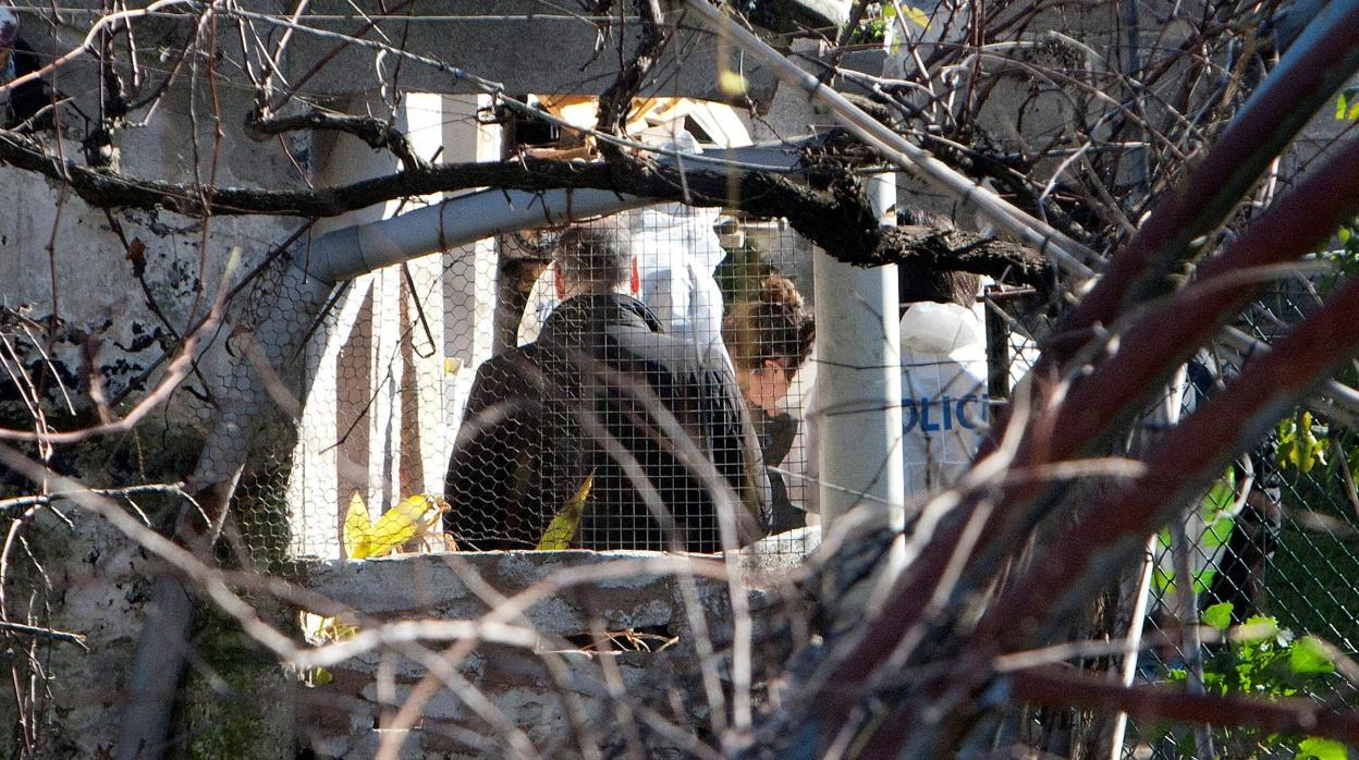 La juez prorroga un día más la detención del hijo menor del octogenario asesinado en Vigo