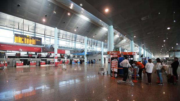 Terminal del aeropuerto vigués de Peinador