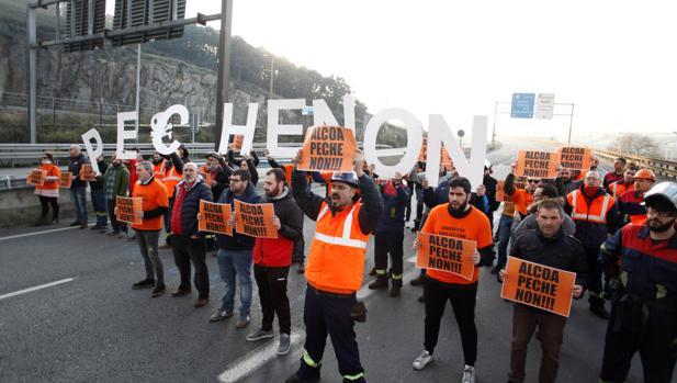 El Gobierno no garantiza mantener los empleos en las plantas de Alcoa desde el 1 de julio