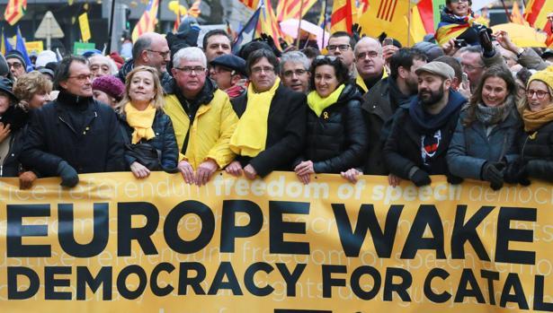 Manifestación independentista por las calles de Bruselas
