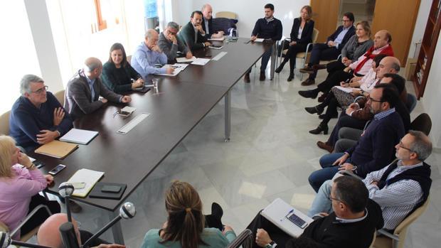 Imagen de la reunión entre María José Catalá y el grupo popular municipal