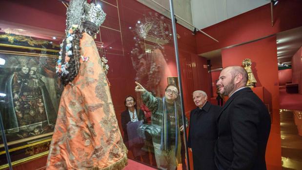 Antonio Cañizares y Toni Gaspar, en la exposición de la Mare de Deu dels Desamparats