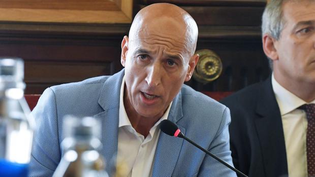 El portavoz del PSOE en el Ayuntamiento de León y secretario general de la Agrupación Local, José Antonio Diez
