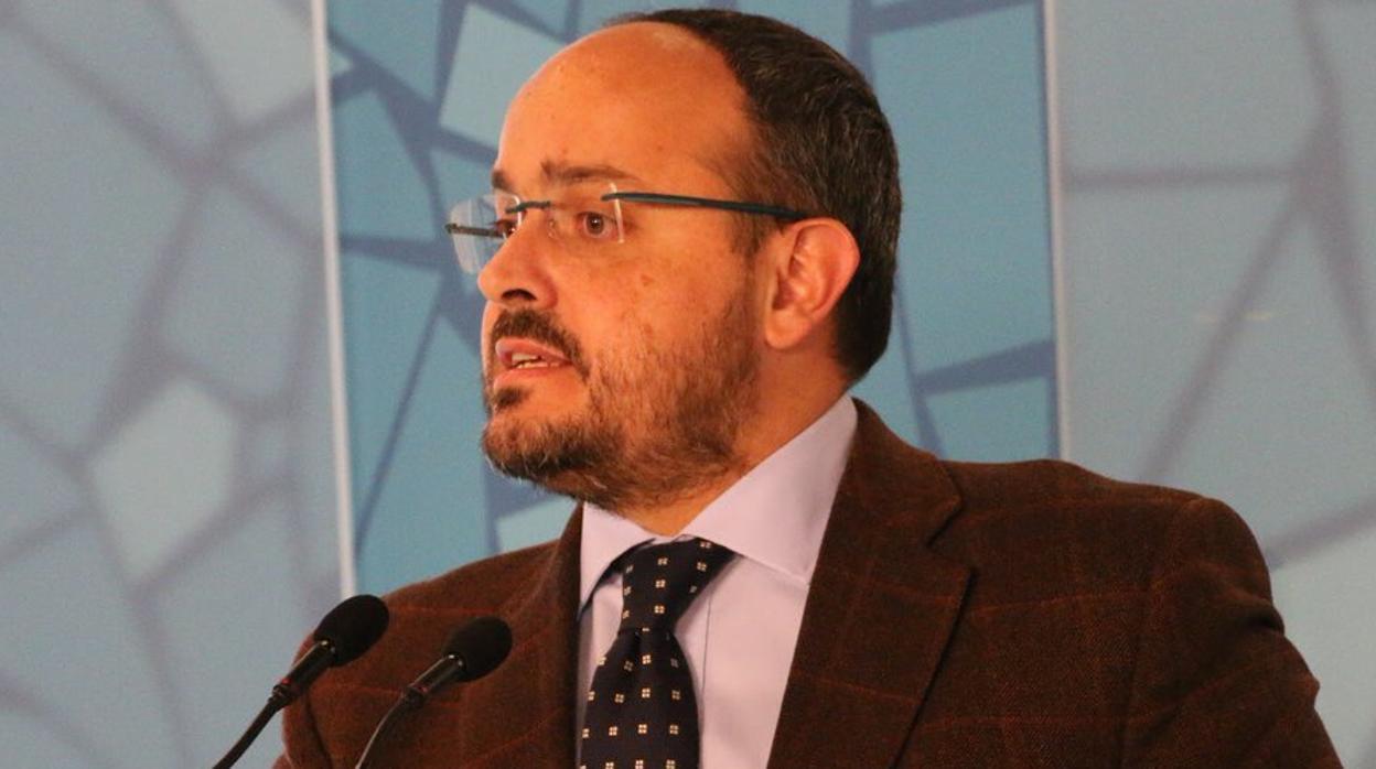 El PPC pide a los independentistas sustituir a Quim Torra antes de que provoque otro 155