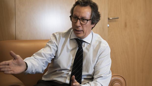 Carlos Floriano: «Es mejor no fiarse del PSOE cuando hace una promesa»