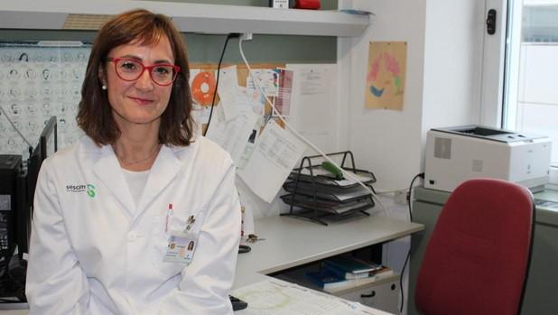 María Ángeles Martínez posa en su consulta