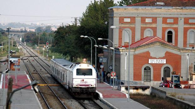 Imagen de archivo de un tren en la estación de Talavera